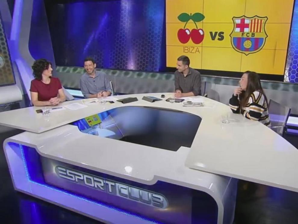 Esta suplantación del logotipo oficial se produjo en el programa Esport Club de TV3, que atribuía al Ibiza como símbolo las dos cerezas de la famosa discoteca.