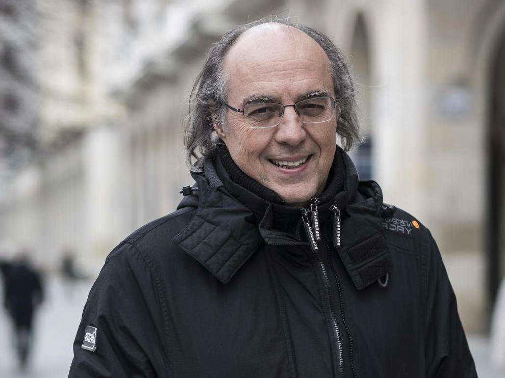 José Ignacio Latorre, protegido del frío en Independencia