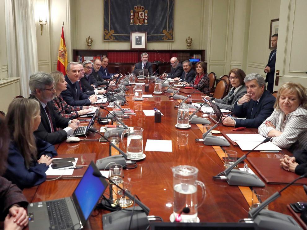El presidente del Consejo General del Poder Judicial, Carlos Lesmes, preside el pleno de este jueves.