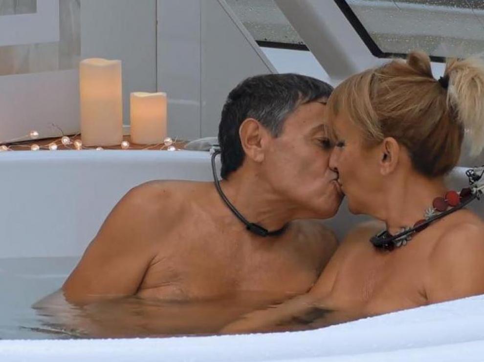 Jero y Adriana, la matrimonio nudista que engañó a 'First dates'.