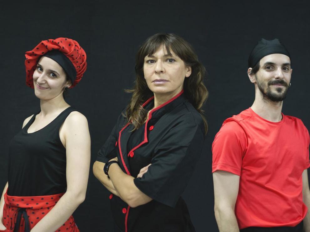 Amparo Luberto, Ana García e Ignacio Otín, los actores de 'Sin reservas'.
