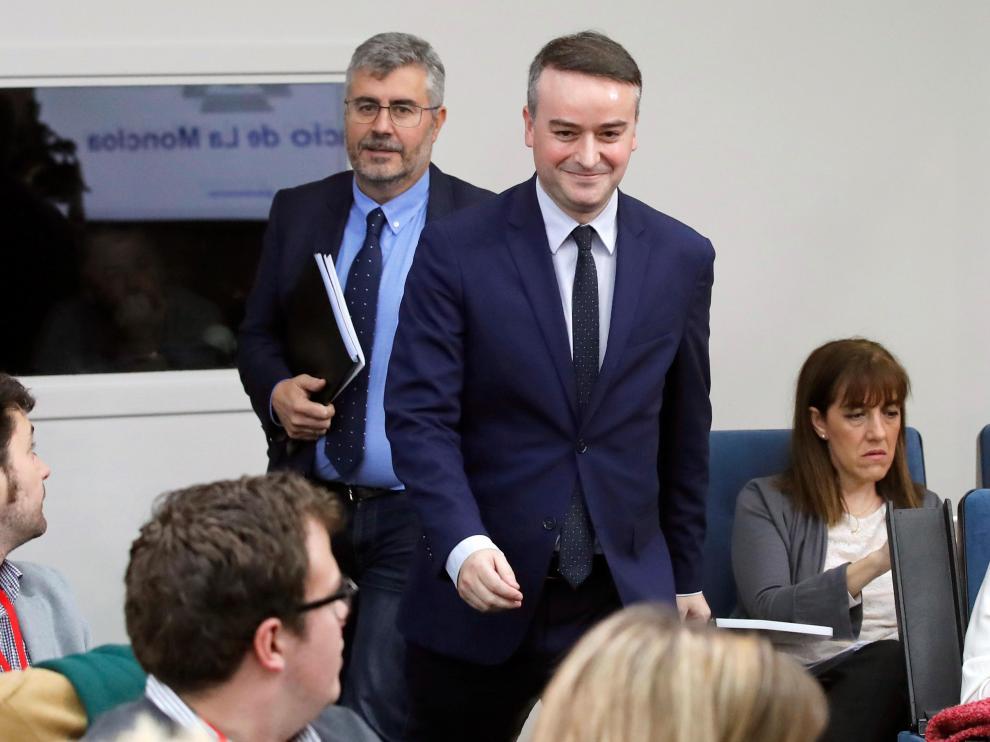 Iván Redondo (a la derecha), en la rueda de prensa tras el Consejo de Ministros