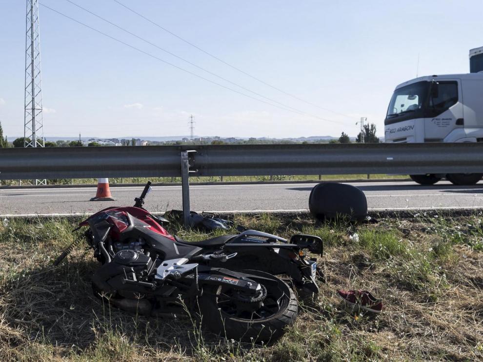 Accidente con motorista en la A2 / 05-09-2017 / FOTO: GUILLERMO MESTRE [[[FOTOGRAFOS]]] [[[HA ARCHIVO]]]