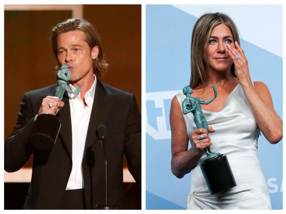 Brad Pitt y Jennifer Aniston recogiendo sus premios
