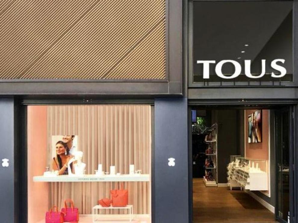 Fotografía de una tienda de Tous