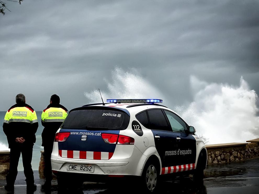 Los Mossos d'Esquadra han desplegado dispositivos especiales por el temporal en toda Cataluña