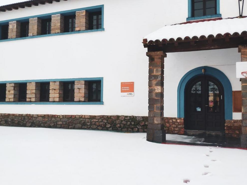 El colegio de Almonacid de la Sierra amaneció sin luz y sin calefacción