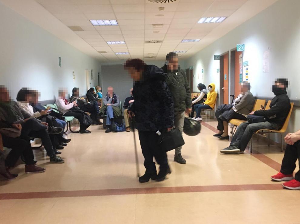La sala de espera de Urgencias del Servet este lunes por la mañana.