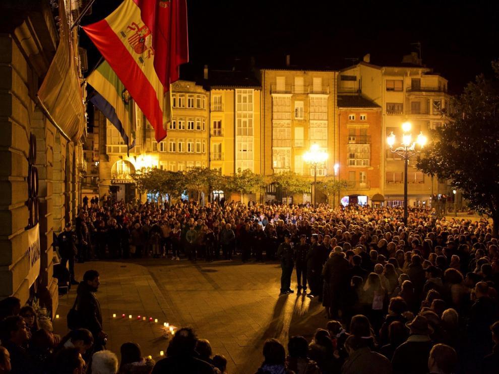 Concentración por la muerte de la niña en Logroño