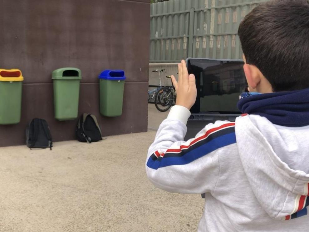 La brigada de ecoalumnos controla los residuos generados durante el recreo