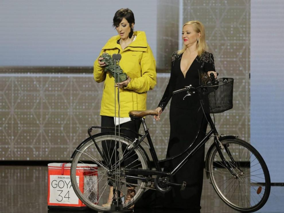 La bilbilitana Pilar Bergés junto con Pilar Castro, en la gala de los Goya