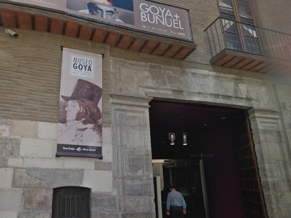 Entrada del Museo Goya de Zaragoza.