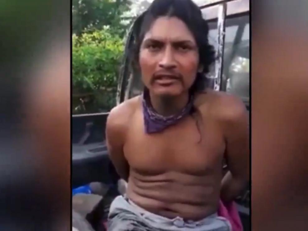 Fotograma del vídeo en el que Denis Flores Gómez confiesa el asesinato.