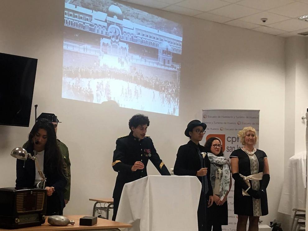 Alumnos de la Escuela de Hostelería y Turismo durante la presentación de las jornadas.
