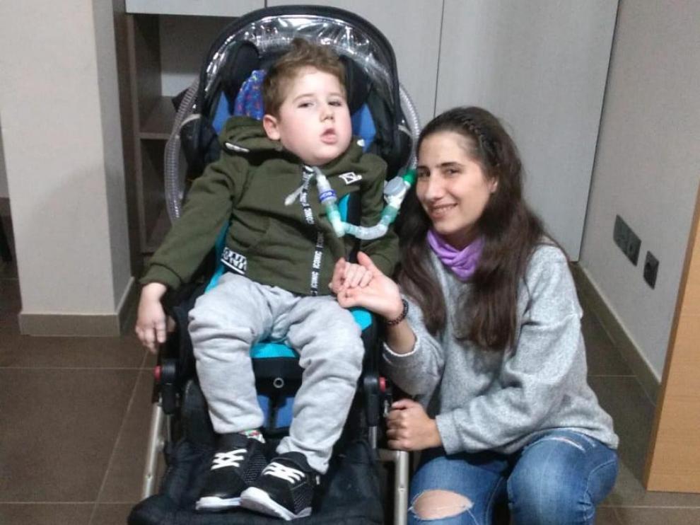 Lorena Morcillo con su hijo
