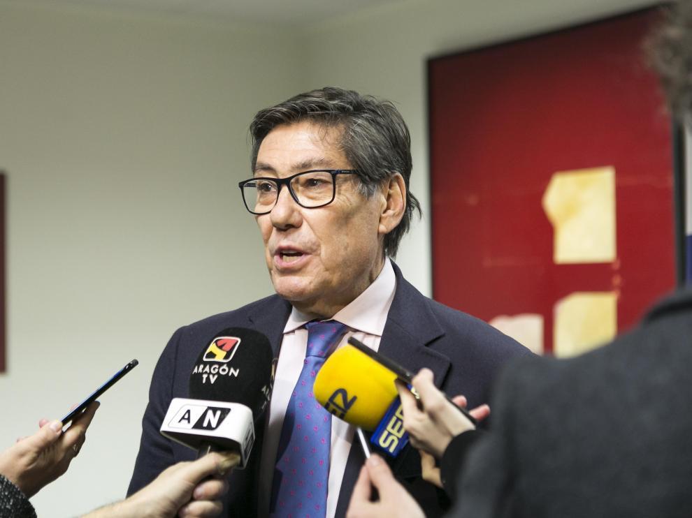 El vicepresidente aragonés Arturo Aliaga en una conferencia.