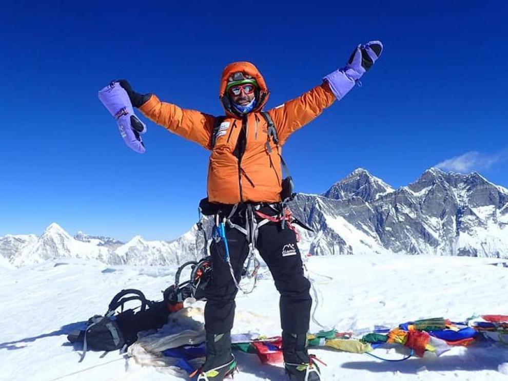 Jonatan Garcia, en la cima del Ama Dablam