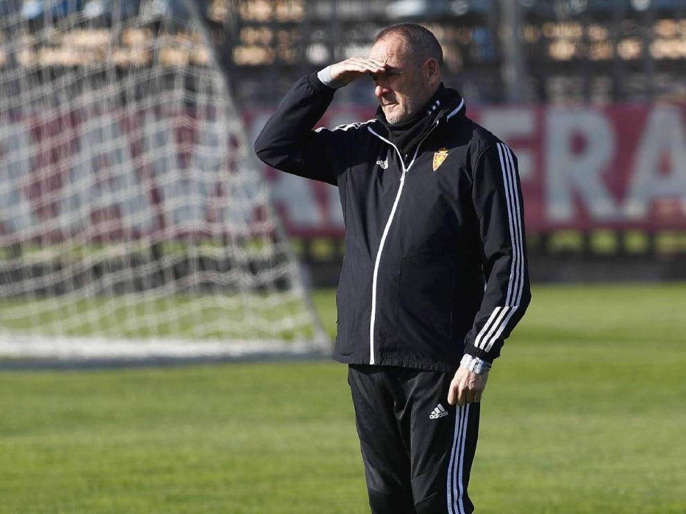 Víctor Fernández, en el entrenamiento del equipo en la Ciudad Deportiva.