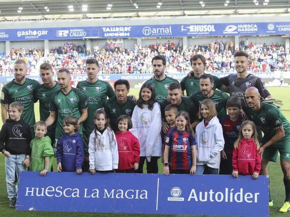 Los veteranos Mikel Rico, Pedro López, Mosquera, Okazaki y Ferreiro jugaron de inicio ante el Almería.