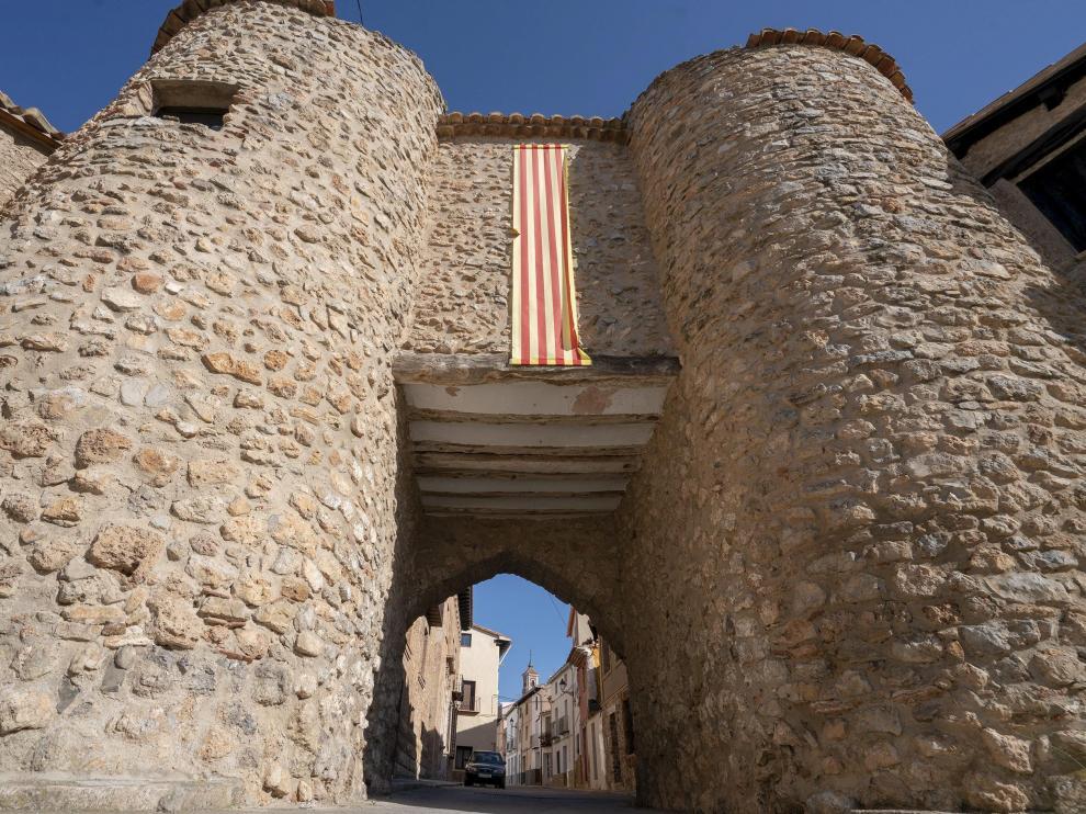 El Portal de Teruel en Sarrión, declarado monumento nacional en 1982.