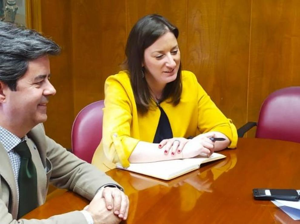El alcalde, la concejala de Urbanismo y la presidenta de la Siepse