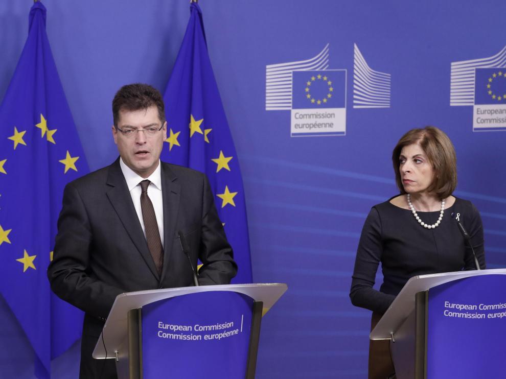 El comisario de Gestión de Crisis, Janez Lenarcic, y la comisaria de Salud, Stella Kyriakides