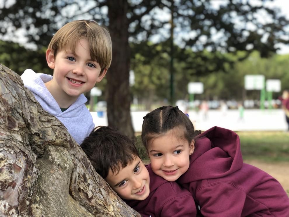 Las zonas verdes del colegio San Gabriel ayudan a desarrollar la creatividad de los alumnos desde la educación infantil hasta el bachillerato.