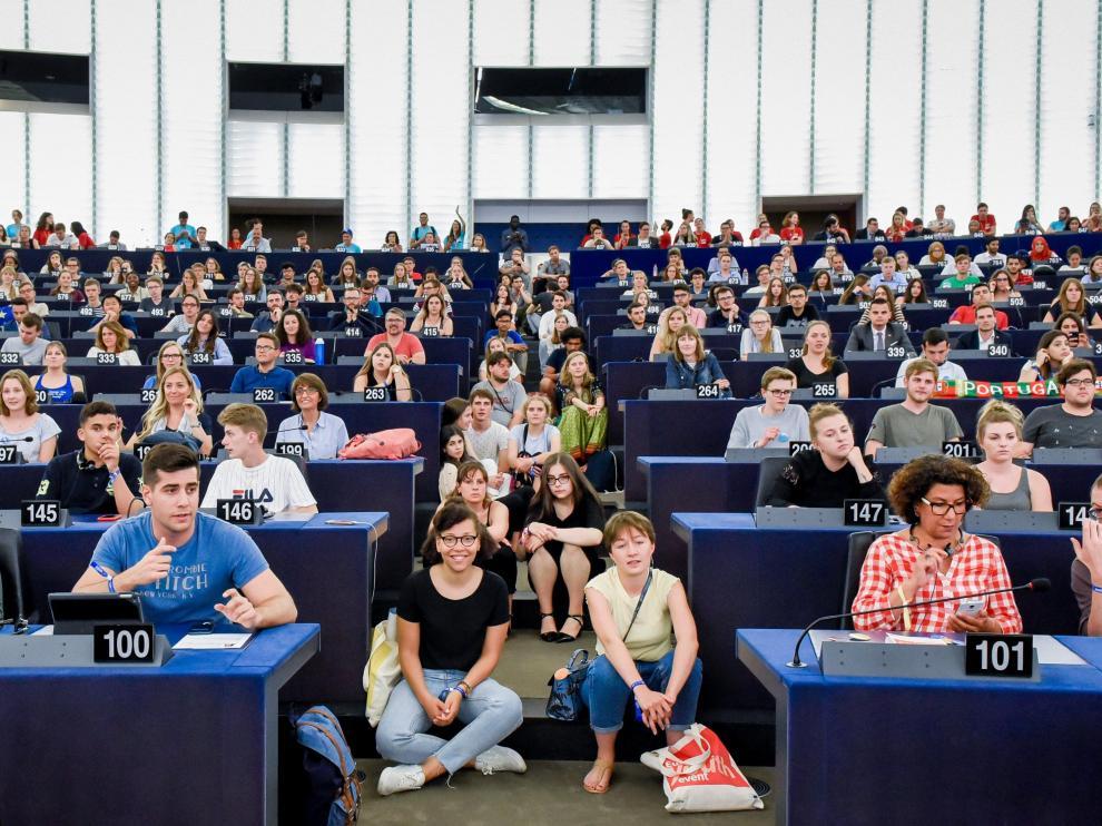 Una de las sesiones internacionales del Parlamento Europeo de los Jóvenes