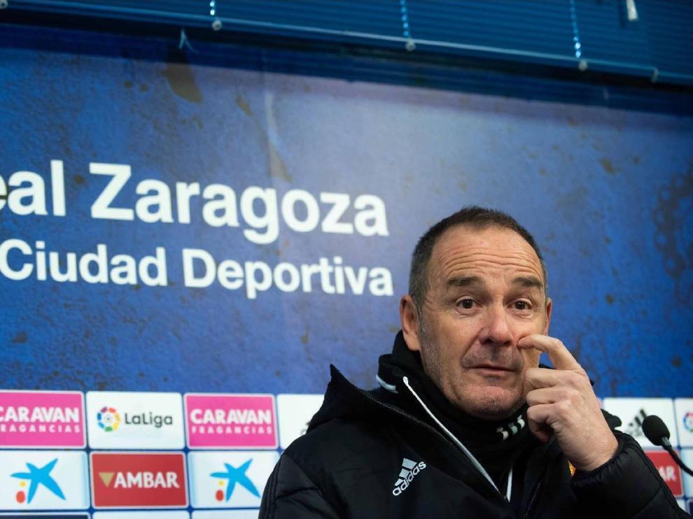 Víctor Fernández, en rueda de prensa en la Ciudad Deportiva.