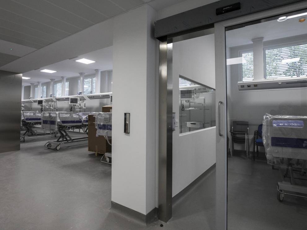 La unidad de cuidados intensivos del nuevo hospital dispone de seis camas.