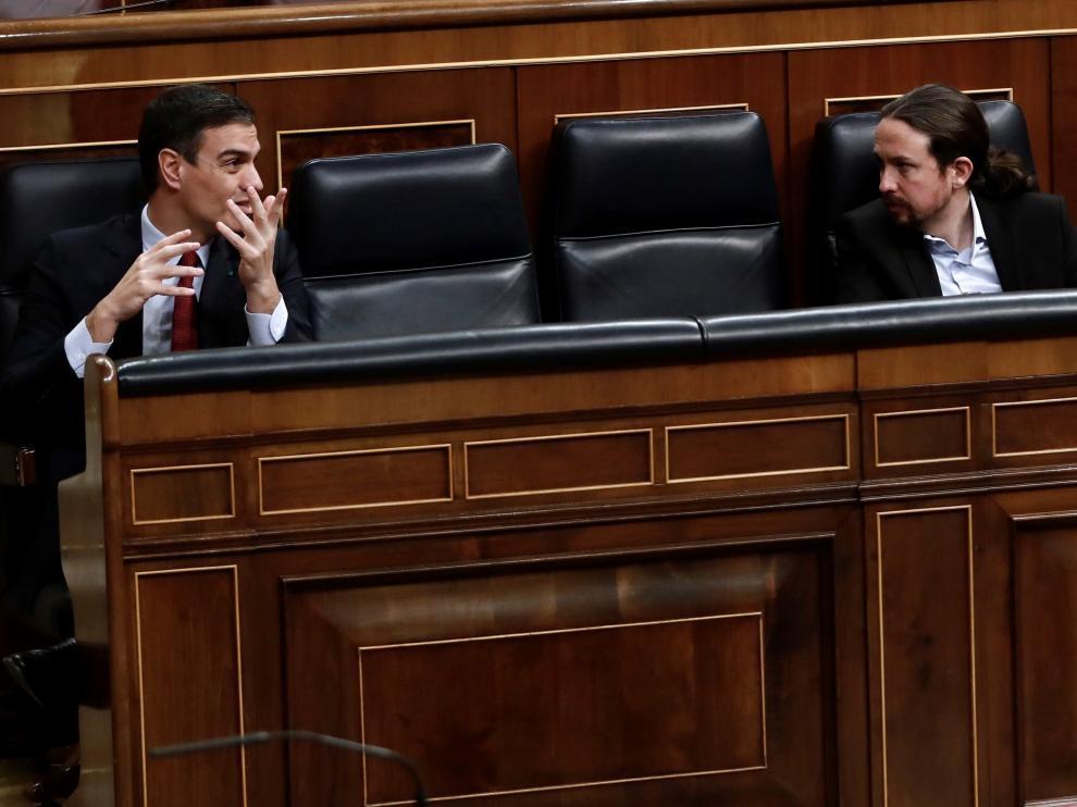 Pedro Sánchez y Pablo Iglesias, durante el pleno del Congreso.