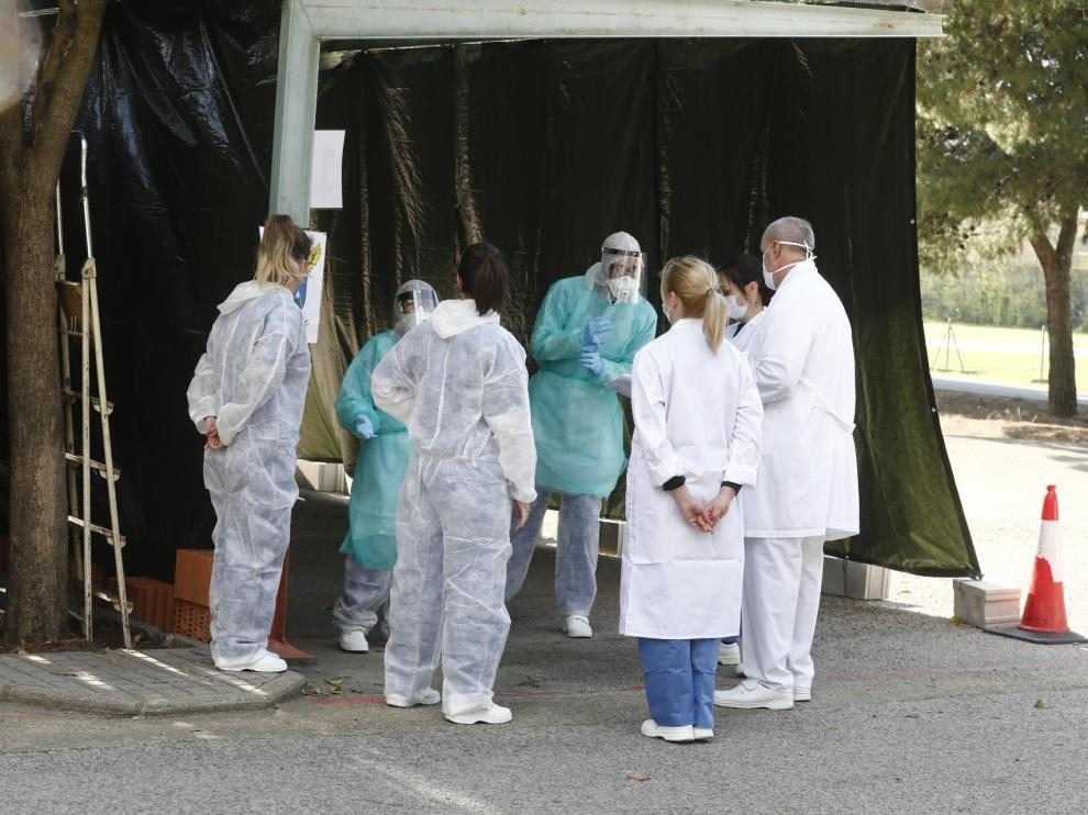 El Hospital Militar inicia las pruebas de coronavirus sin bajar del coche
