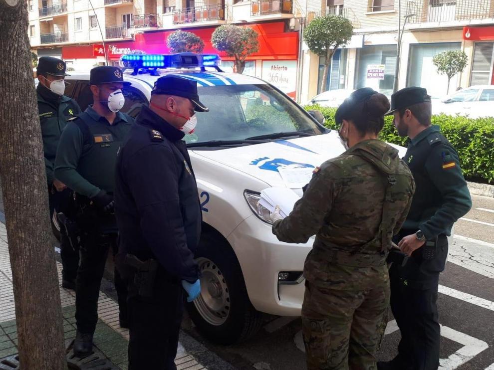 La Policía Local de Ejea y el Ejército han estado montando patrullas conjuntas estos días.