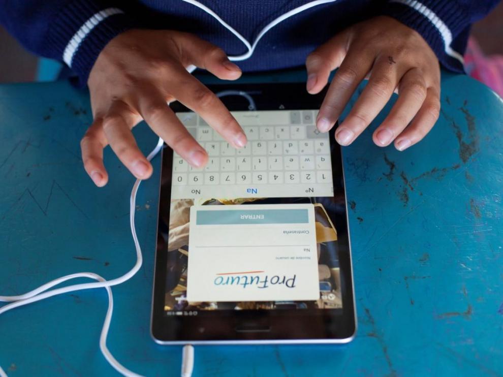 El programa Pro Futuro de educación digital está impulsado por Telefónica y la Caixa.