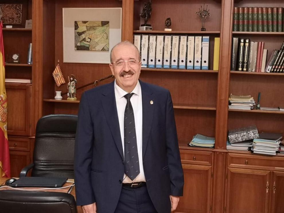 Manuel Rando, en su despacho de la Presidencia de la Diputación Provincial de Teruel.