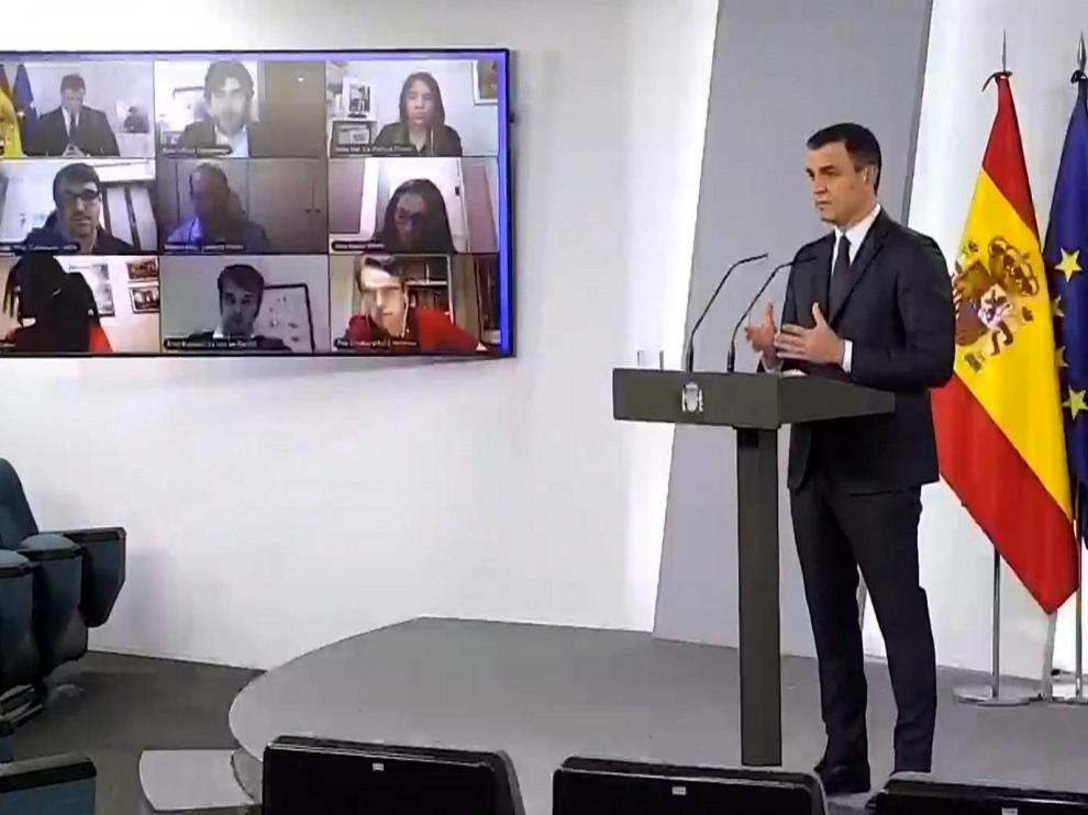 Pedro Sánchez durante la rueda de prensa de ayer en la Moncloa.