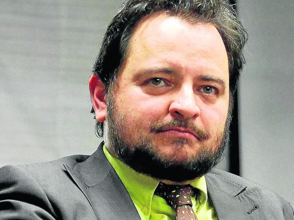 Arranz escribe en prensa y dirige 'El marcapáginas' en radio.