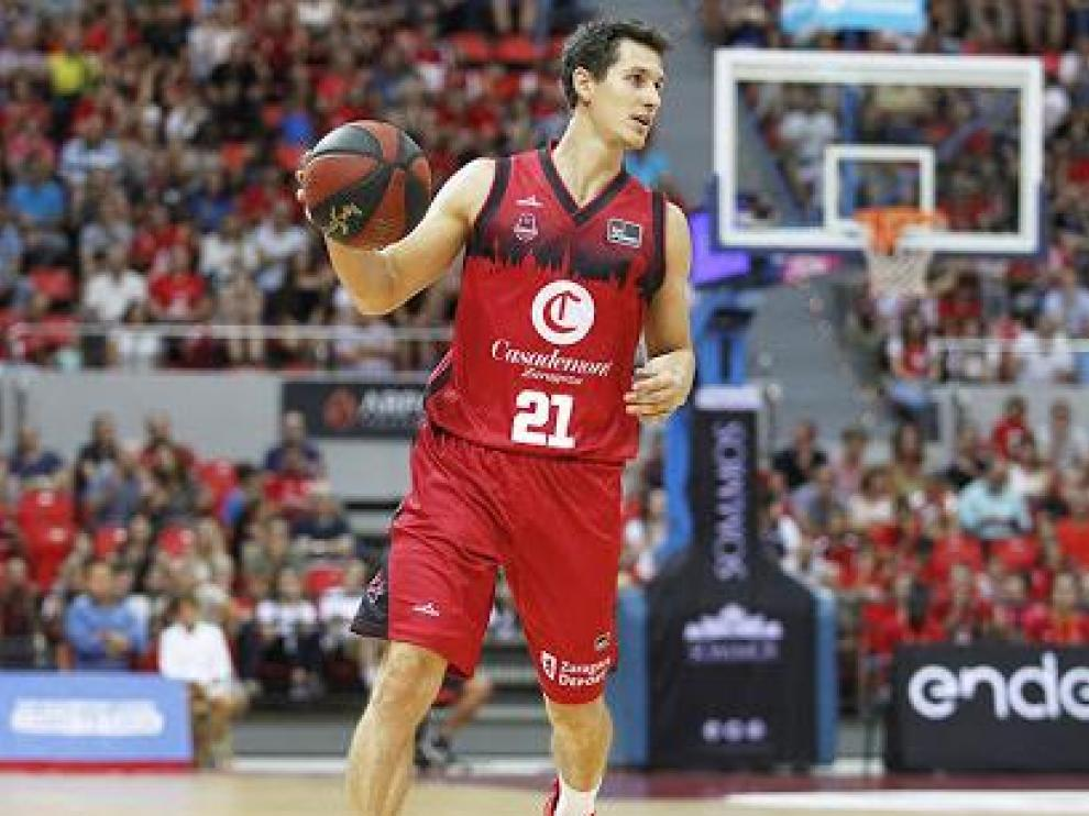 Rodrigo San Miguel, en un partido del Casademont Zaragoza esta temporada.