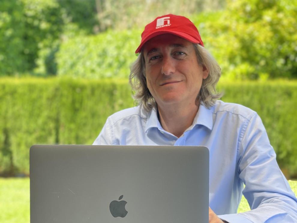Alberto Forcano, director para España de la multinacional Bergner, teletrabajando.