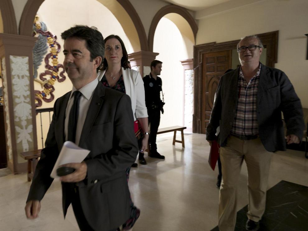 El alcalde de Huesca ha vuelto a sacar adelante otro trámite complicado negociando con la oposición.