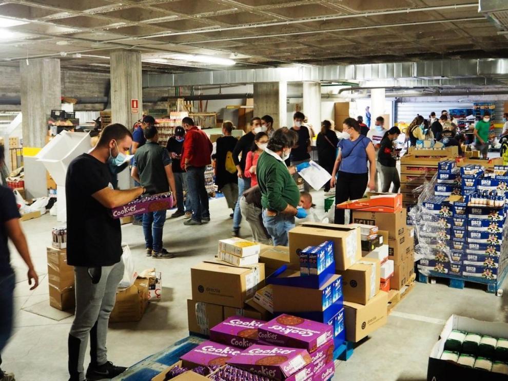 El colectivo reparte semanalmente comida y artículos de primera necesidad a unas 3.500 personas.