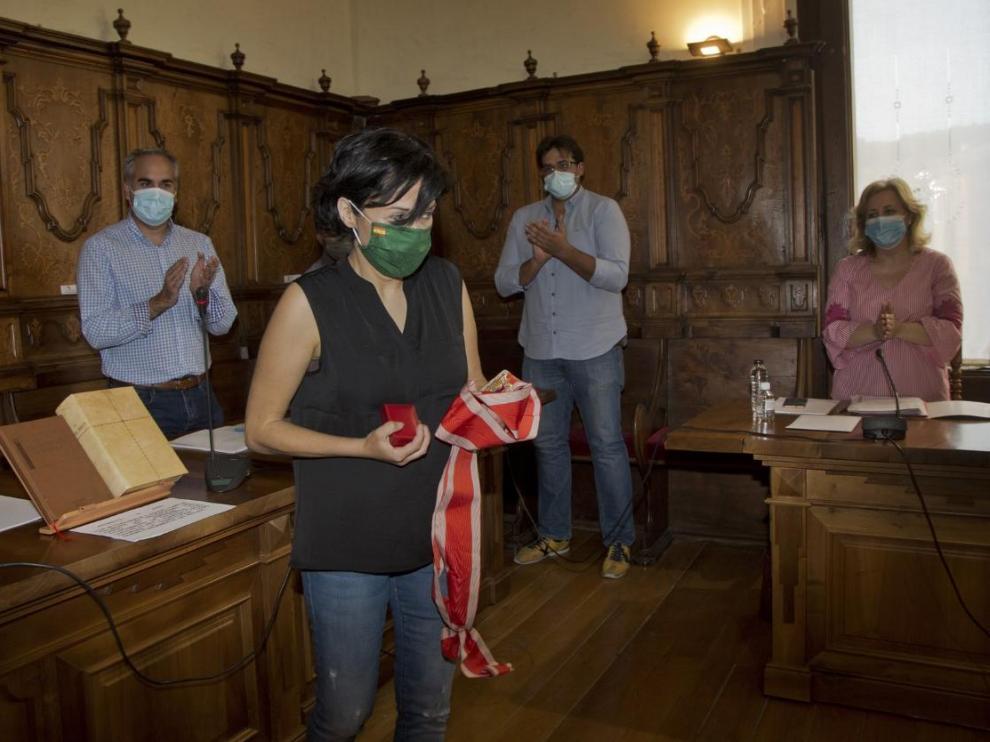 Toma de posesión de Pilar Delgado como concejal de Vox en Calatayud.