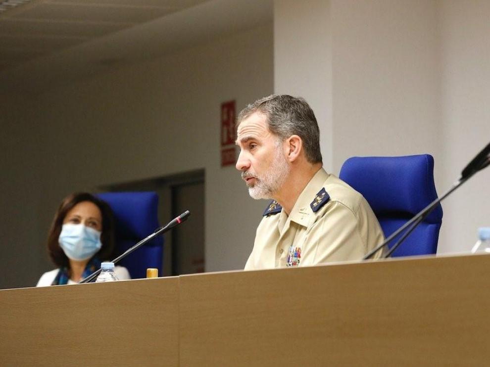 Margarita Robles este sábado junto al Rey Felipe VI al finalizar la vídeoconferencia por el Día de las Fuerzas Armadas