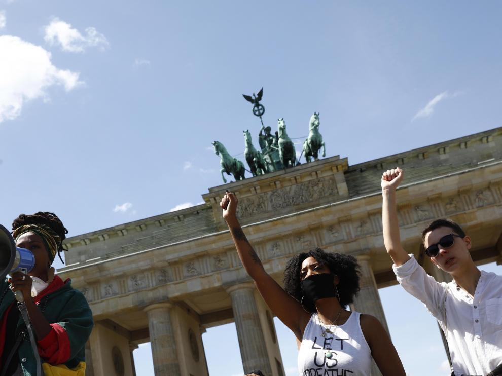 Manifestación en Berlin contra la violencia policial en EE. UU.