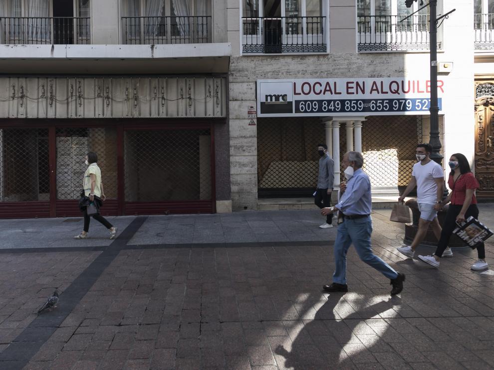 Locales comerciales vacíos en Zaragoza.