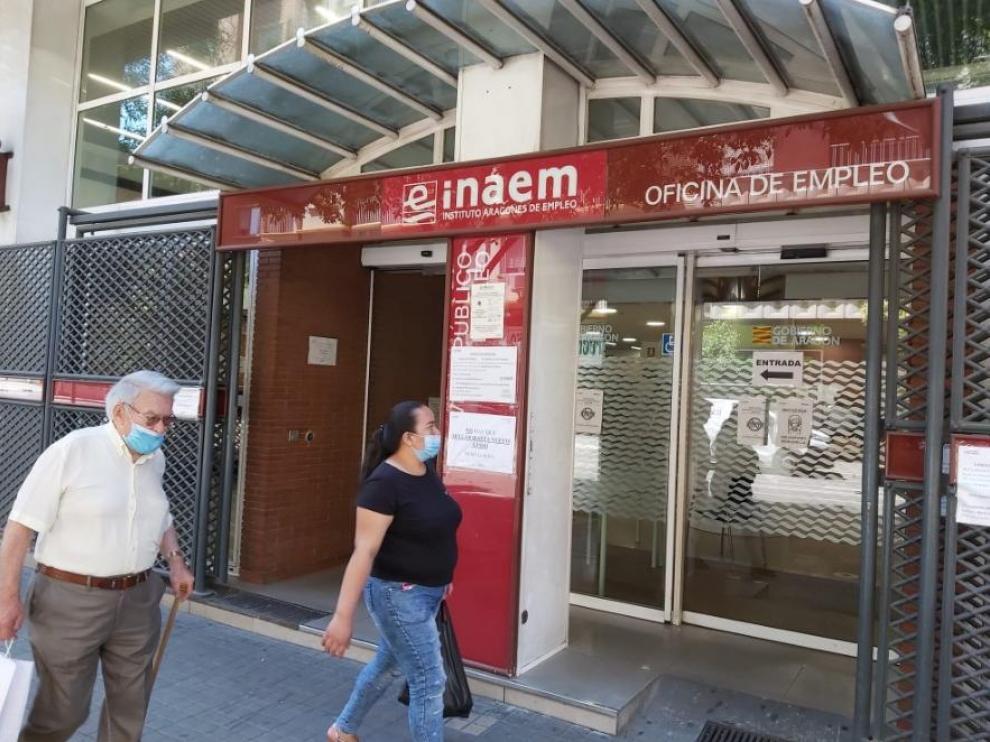 La oficina del Inaem de la calle de Santander, en Zaragoza.