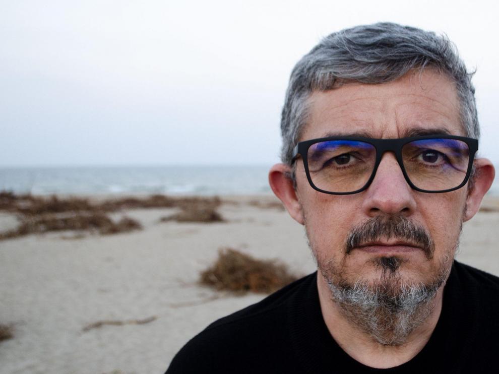 Rafa Cervera publica 'Porque ya no queda tiempo'.