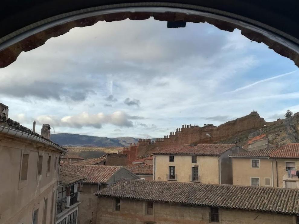 Vista de las murallas de Daroca desde la población