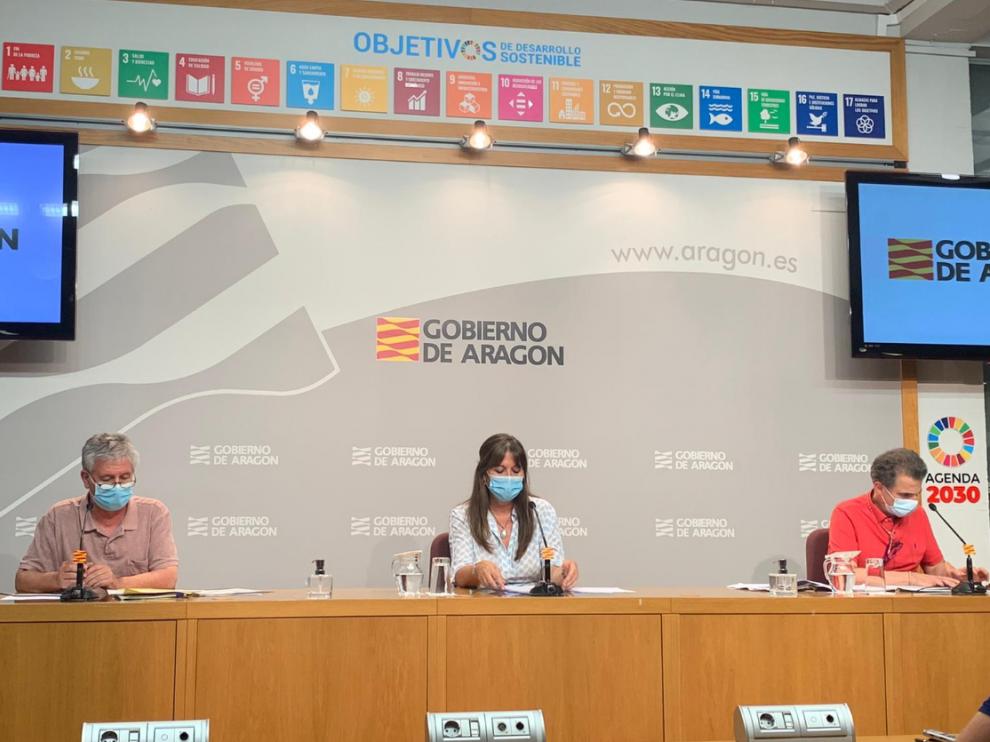 Los máximos responsables sanitarios de Aragón ha comunicado el endurecimiento de las medidas en una rueda de prensa.