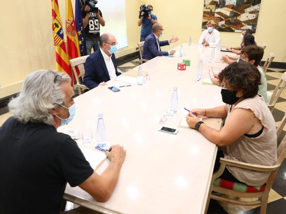 Lambán y Faci, en una reciente reunión con directores de centros de infantil, primaria y secundaria